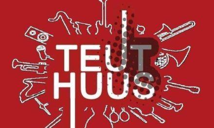 Teuthuus houdt open podium
