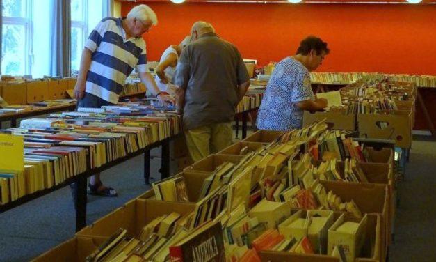 Boekenmarkten in Sleen