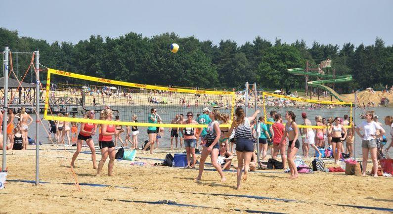 Ook dit jaar geen beachvolleybal op Ermerstrand