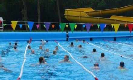Kinderen kunnen duiken in Bosbad Noord-Sleen