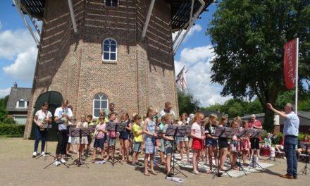 BWB-school sluit eerste jaar muziekproject met Volharding af