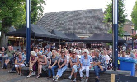 Ondanks hitte trekt zomermarkt veel bezoekers