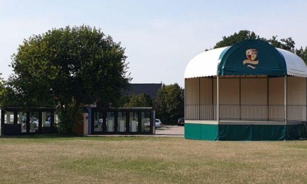 Paviljoen valt in het niet naast Koepel