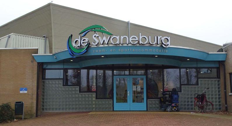 Swaneburg weer open: diplomazwemmen op zaterdag