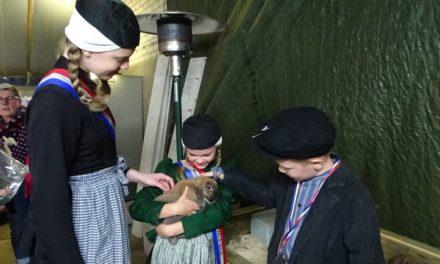 Kleindierenshow Steenwijksmoer geopend