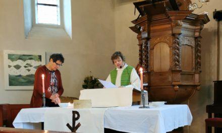 Roze kerkdienst sluit Regenboogweek af