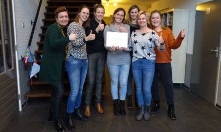 BSV De Uithoek krijgt cheque van boerinnen