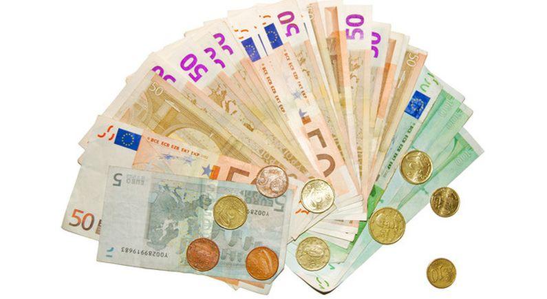 FIOD houdt verdachten van fraude aan