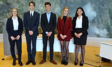 Leerlingen krijgen waardering voor Politieke Jongerendag