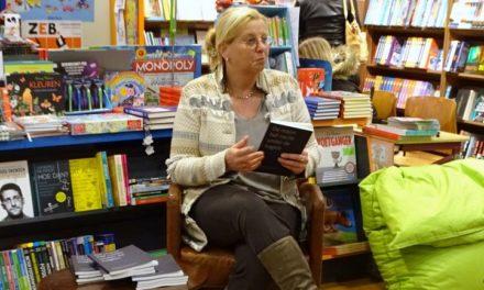 Roelie Lubbers leest voor