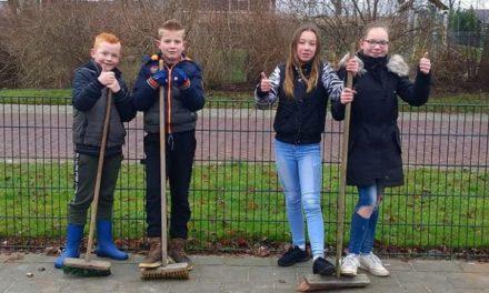 Buurtbewoners maken schoolplein vuurwerkvrij