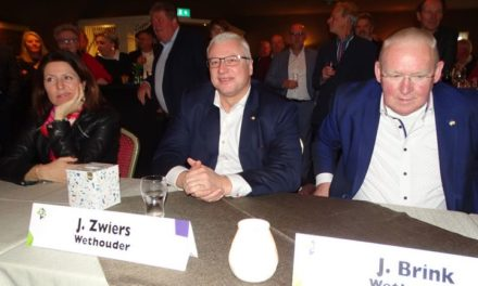 Jan Zwiers krijgt Zilveren Ster bij afscheid (met filmpjes)