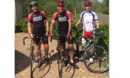 Wilco Jacobs en zonen Jasper en Justin doen mee aan Alpe d'HuZes