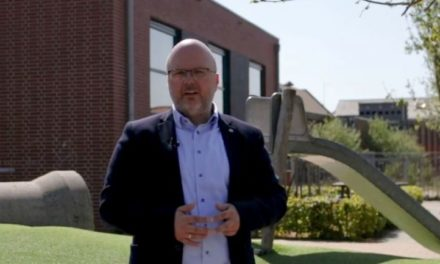 Jeroen Huizing heeft videoboodschap voor basisonderwijs