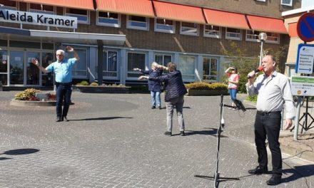 Tonny Jansen zingt bij Aleida Kramer