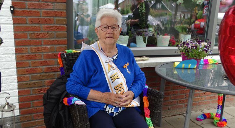 Koningin van Tuindorp krijgt muzikale verrassing