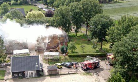 Schuurbrand overgeslagen naar zorgboerderij 't Haantje