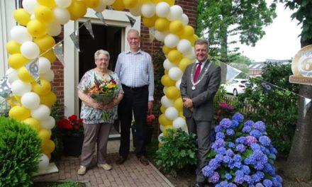 Echtpaar Werink krijgt bezoek van burgemeester