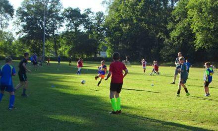 Kirikiri en FC Knophoofd winnen toernooi jongerenwerk