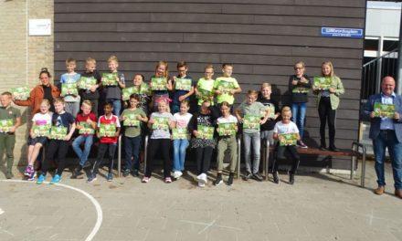 Groep 5B Willibrordusschool krijgt receptenboek