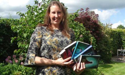 Miranda Peters signeert haar nieuwe boek