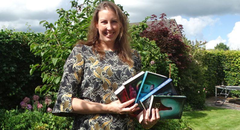 Miranda Peters presenteert twee boeken