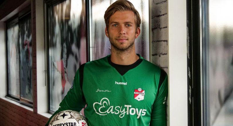 Doelman Felix Wiedwald tekent bij FC Emmen