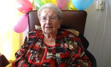 Mevrouw Runhaar viert eeuwfeest