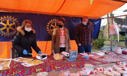 Rotary Coevorden bakt en verkoopt kniepertjes