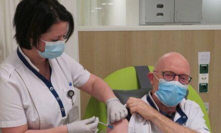 Eerste vaccinatie Saxenburgh uitgevoerd