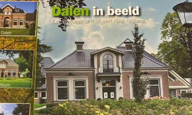 Plus en Aold Daol'n houden ruilactie voor boek  'Dalen in beeld'