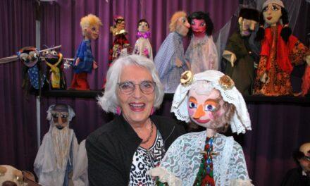 Erica Burgerjon vertelt graag over haar poppen