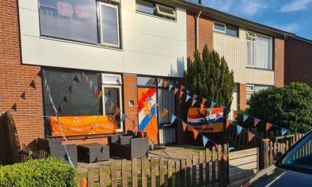 Woning Pijnacker Hordijkstraat in oranjesfeer