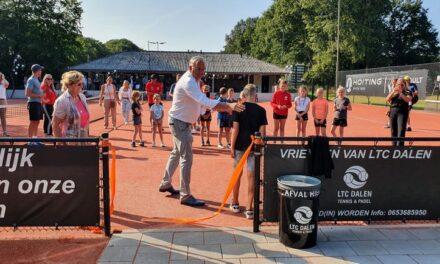 Derde padelbaan LTC Dalen feestelijk geopend