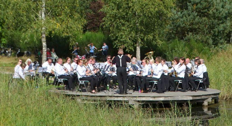 Muziekverenigingen treden op in Daoler Tuun